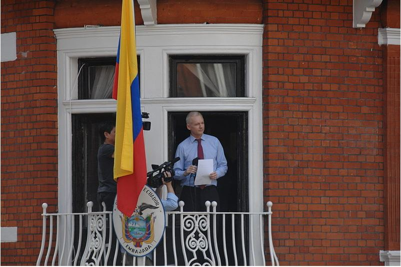 """The UK must resist U.S. extradition,"" Assange yells while dragged from Ecuadorian Embassy"