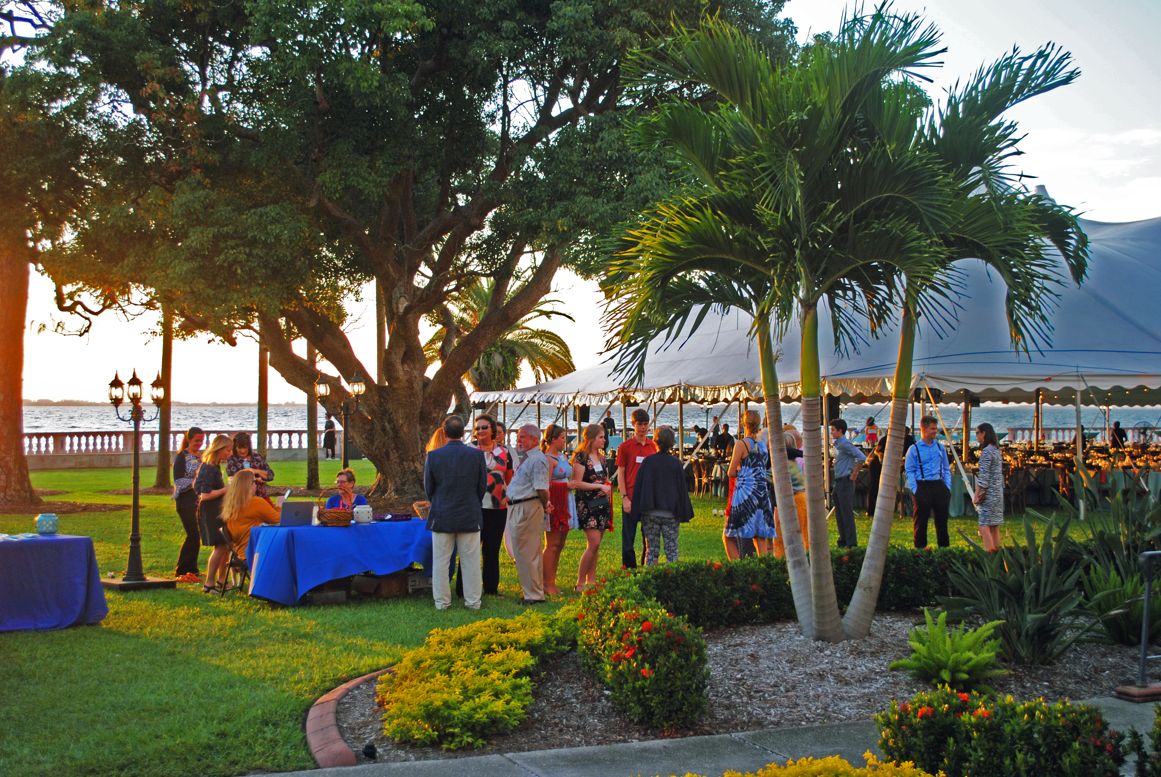 Clambake raises $318,000 for student scholarships
